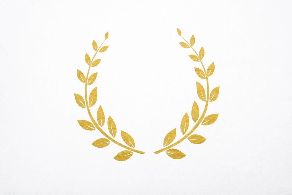 olive-wearth-golden-powder-on-white-cotton.jpg