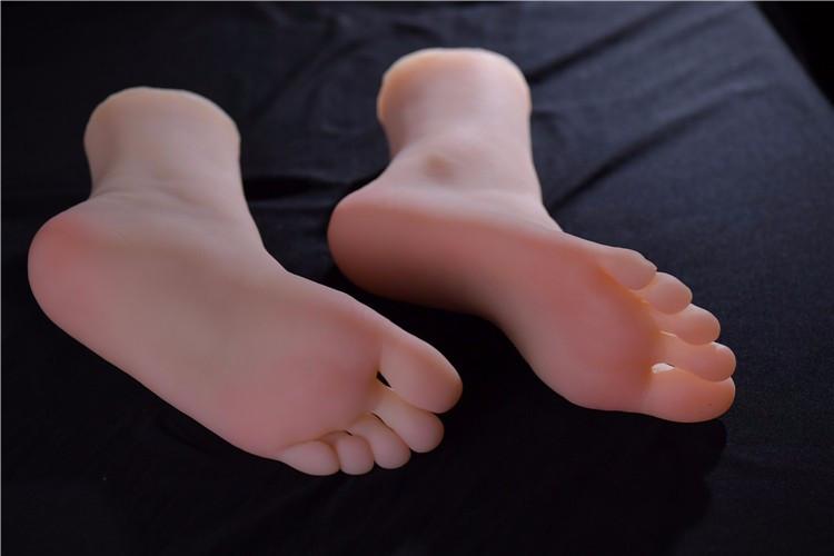 foot-fetish-worship-slave-silicone
