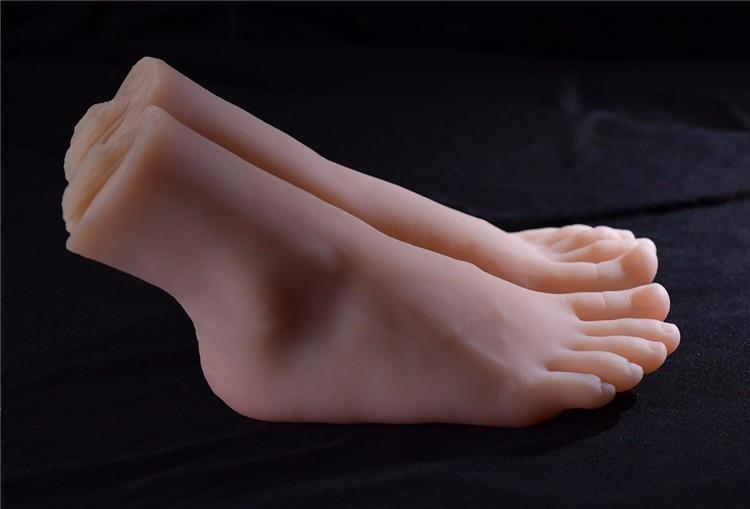 foot-slave-worship-pretty-toy