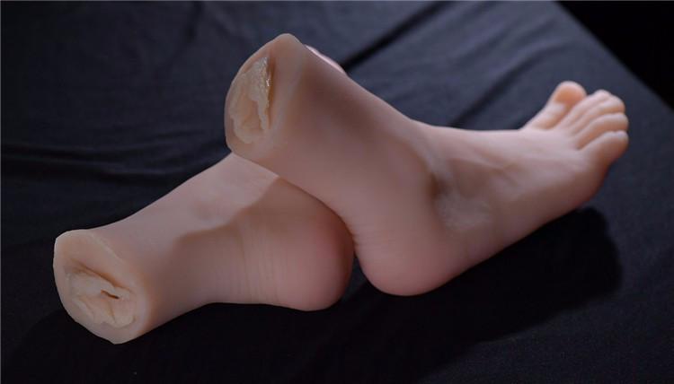 toe-sucking-feet-sex-toy