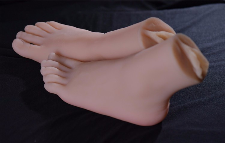 feet-licking-sex-toy-silicone
