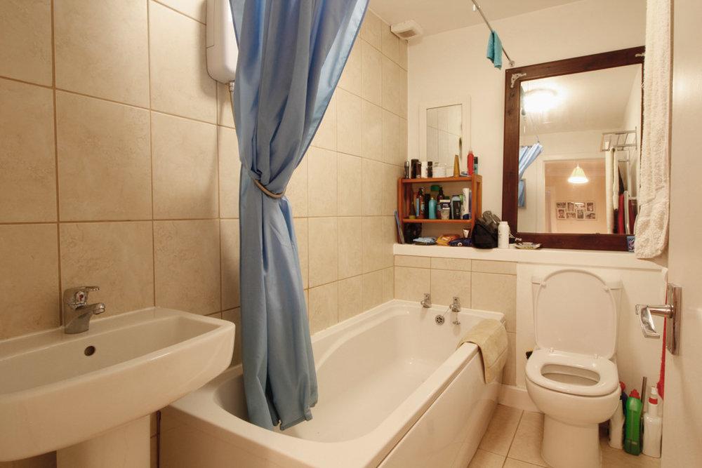 bathroom-loons-road.jpg