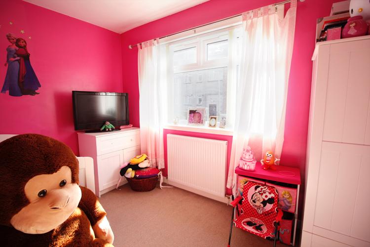 dee-place-bedroom-two.jpg