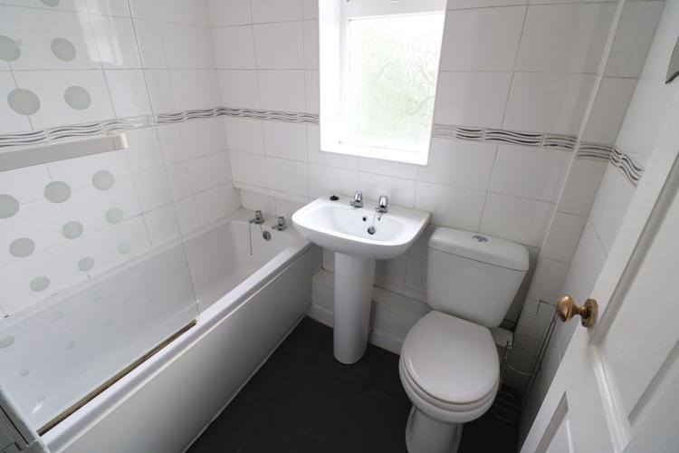 denhead-bathroom.jpg