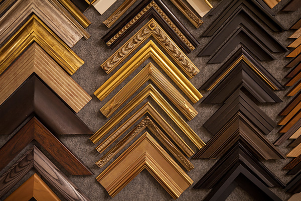 Hundreds of traditional and contemporary frame and mount samples