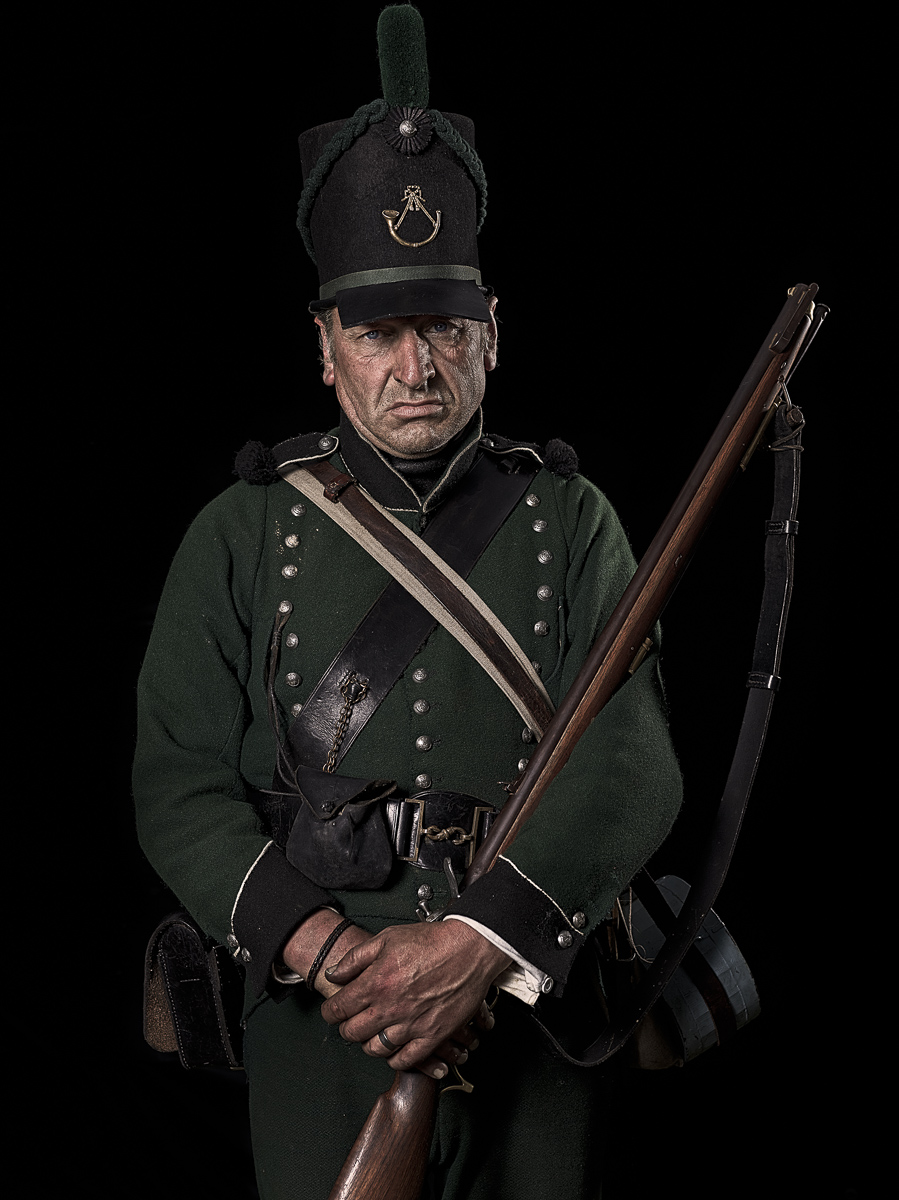 unseen-waterloo-Rifleman-95th-Rifle-Regiment-of-Foot.jpg