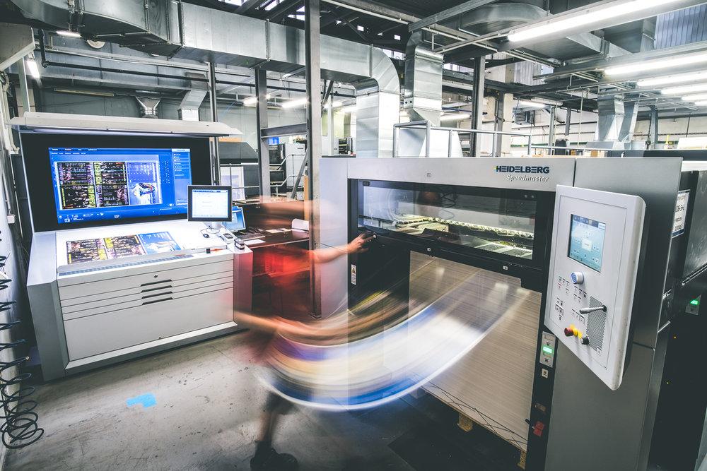 Tisk obalů na špičkovém stroji XL Heidelberg.
