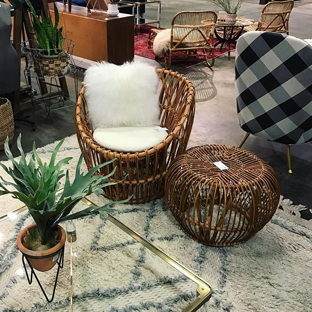 All rattan everything ✌🏼️Come take advantage of our 20% OFF sale at @westsidemarketatlanta and @parisonponce today 🌴🌵 . . . #atl #atlanta #atliens #rattan #bohohome #bohostyle #spring #beltlineatl #midtownatl #midtownatlanta #buckheadatlanta #parisonponce #instagood #instahome #mcm #vintage #vintagestyle #livingroomdecor #design #decor