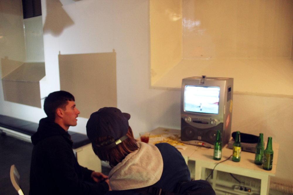David och Douglas spelade skejt-TV-spel.
