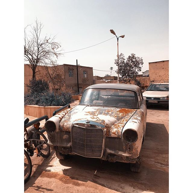 Beautiful Shiraz #iran #wanderlust #rnifilms #shiraz #standalone #mercedes #oldtimer #ontheroad #iphonography