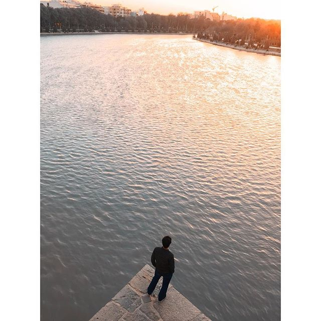 What an incredible journey in ab incredible country 🇮🇷 #isfahan #rnifilms #backpacking #wanderlust #esfahan #paradise #fstopgear #sunset #moment #iphonography #minimalism