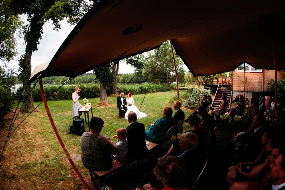 180616_Hochzeit_Haus_am_Bauernsee_Scheune_web_0012.jpg