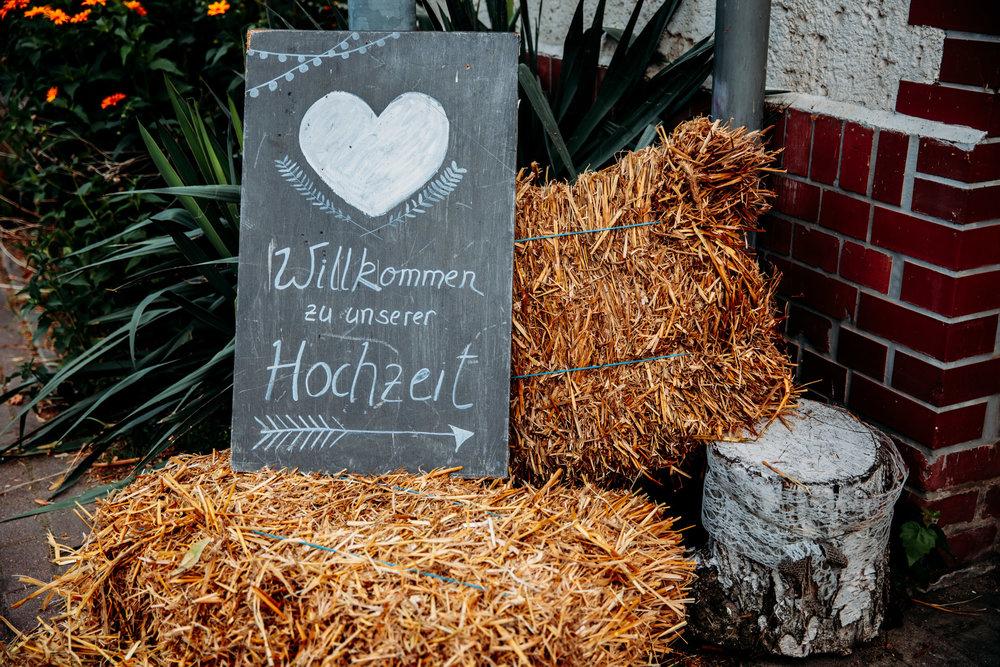 180616_Hochzeit_Haus_am_Bauernsee_Scheune_web_0025.jpg