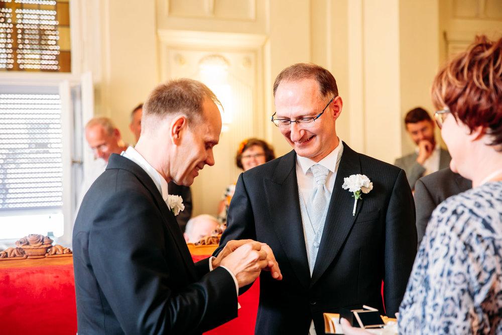 180728_Hochzeit_Villa_Blumenfisch_Schoeneberg_Standesamt_web_0006.jpg