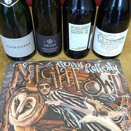 Continuing the World 🌎 Wine 🍷 Tour this afternoon/evening 3-7PM @citywinedenver spinning #gerryrafferty #nightowl pouring some amazing selections from 🏴󠁧󠁢󠁥󠁮󠁧󠁿 🇦🇹 🇫🇷 It's #vinoandvinyl and YOU ARE INVITED!!!
