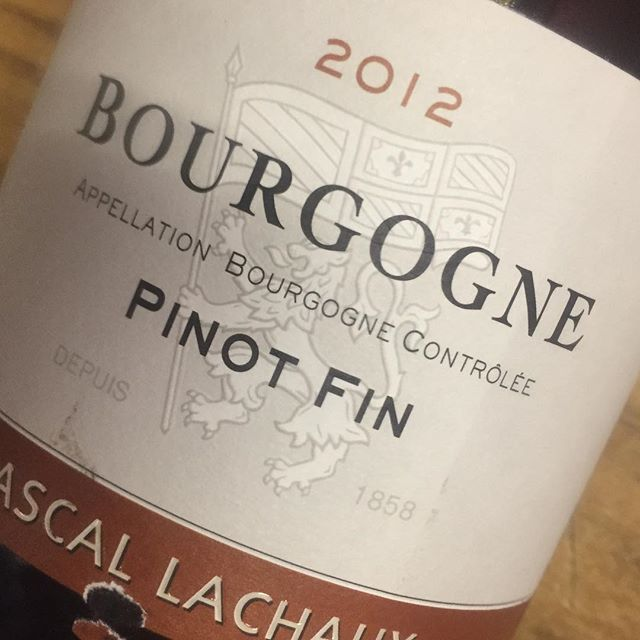 """#wineoftheweek #pascallachaux #pinotfin ****10% OFF through 10/7**** 🍇 😋 """"Fresh red fruits remain with a touch of earthy Burgundian terroir and the perfect set of spice flavors for the coming fall season. Sip this one as summer fades or stash it away for Thanksgiving 🦃 """""""