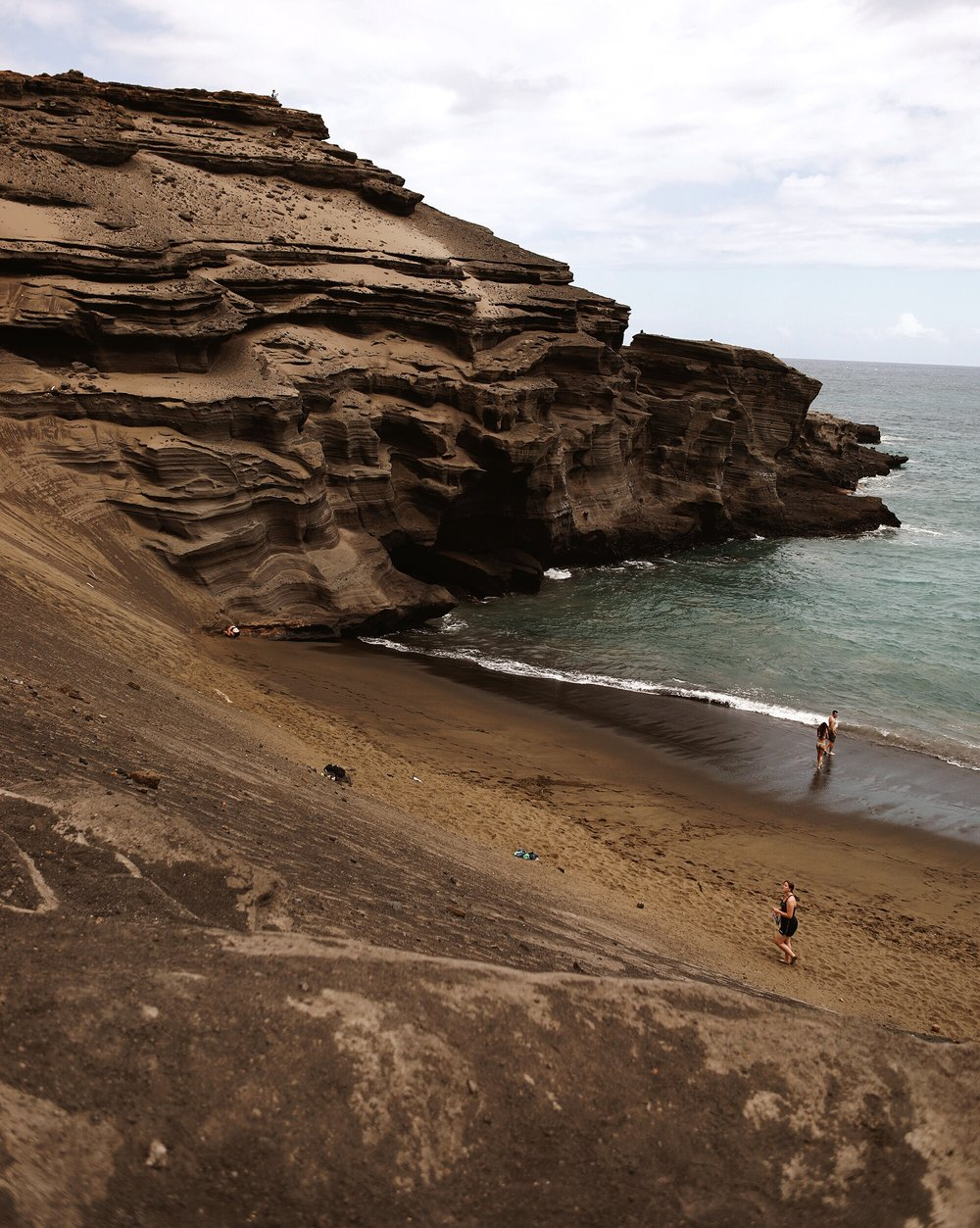 Papakōlea: The Green Sand Beach | Big Island, Hawaii | Travel Wanderlust Blog Hiking | And Away We Went