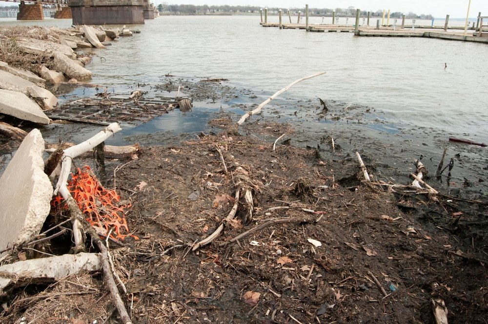Trash & debris on the Susquehanna River. Photo: Chesapeake Bay Program
