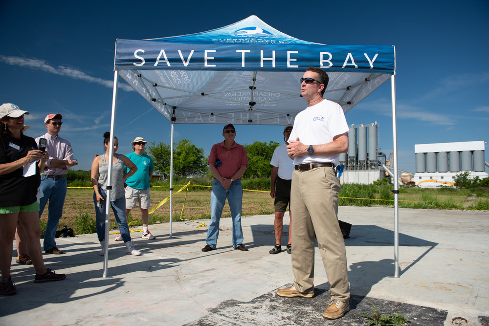 Governor Northam during the 30th Annual Clean the Bay Day. Photo: Governor of Virginia Ralph Northam.