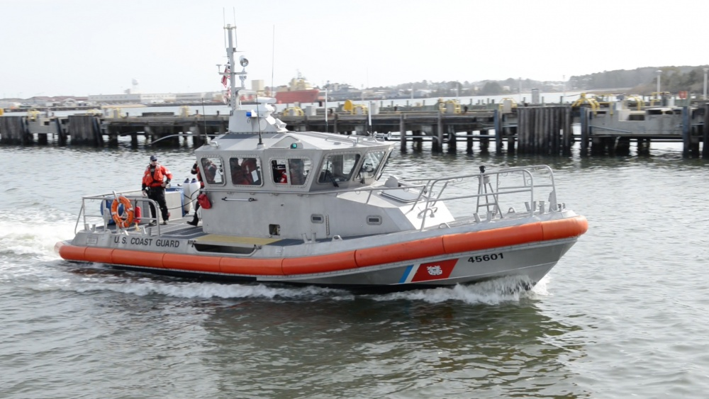A 45-foot Response Boat-Medium from Coast Guard Station Little Creek brought the injured boaters to shore. Photo: Petty Officer 3rd Class Joshua L. Canup/USCG