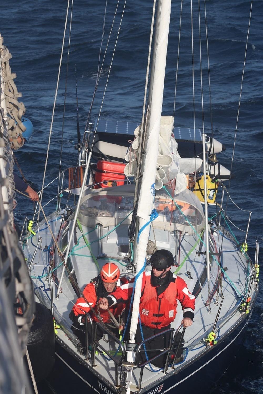 cest la vie sailboat rescue uscg.jpg