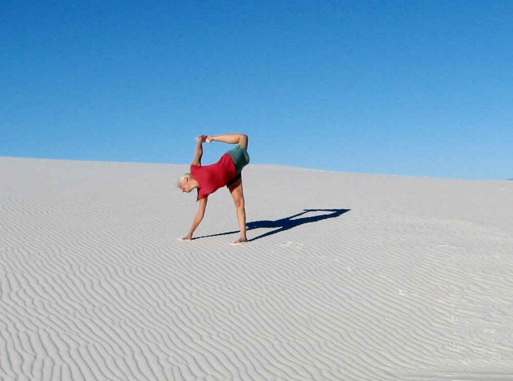 Smilingyogi Jenifer Ebel is over the moon at white sands.