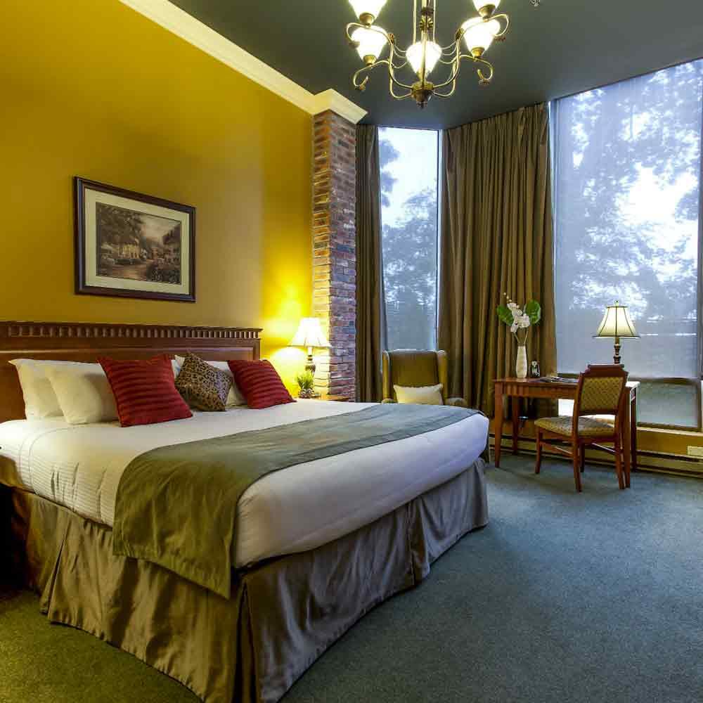 LE NOUVEL HOTEL - ....(1km - 11 min walk)1740 René-Lévesque West, Montréal,H3H 1R3Phone: 1-800-363-6063..1km - 11 min a pied)1740 René-Lévesque Ouest, Montréal,H3H 1R3Tel: 1-800-363-6063....