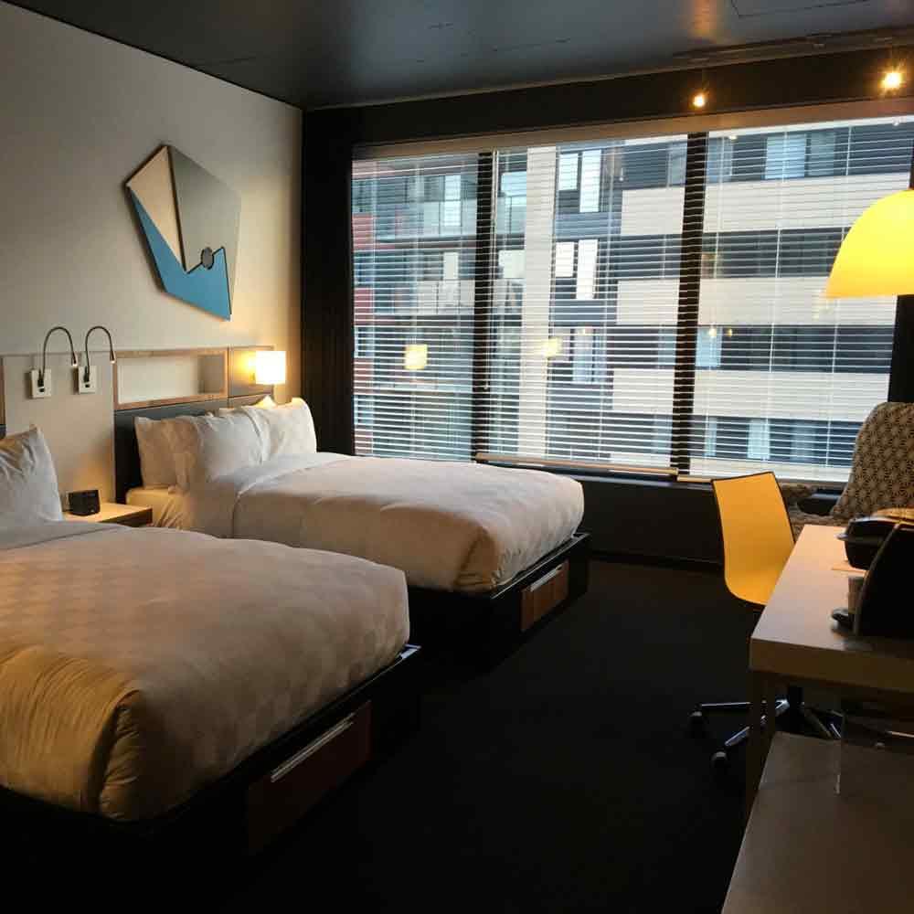 ALT HOTEL  - ....(1,3 km - 17 min a pied, 5 min taxi)120 rue Peel, Montréal, H3C 0L8Phone: 514 375-0220Phone: 1-800-363-6063..(1,3 km - 17 min a pied, 5 min taxi)120 rue Peel, Montréal, H3C 0L8Phone: 514 375-0220....