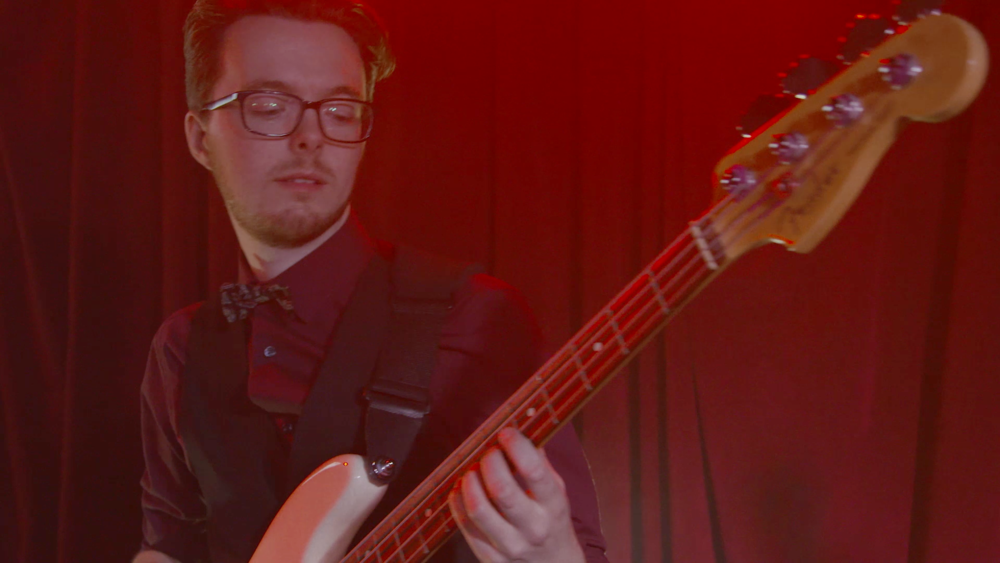 Bass 1.png