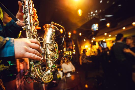 live-saxophone-music.jpg