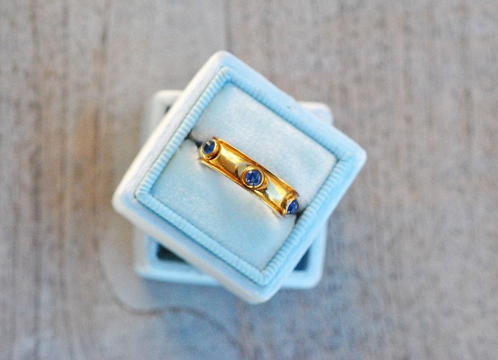 9911789ac Vintage 18k Tiffany Blue Sapphire Cabochons Eternity Band Ring ...