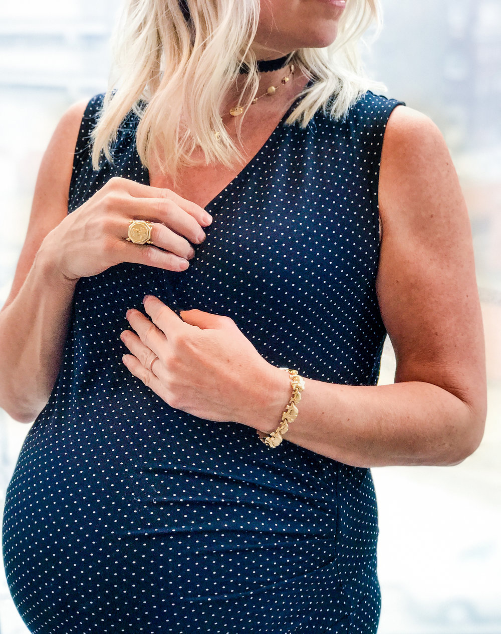 comfy pregnancy chic with isabella oliver - gold west vintage, lynn armstrong, vintage jewelry, mom style, mom fashion, lifestyle blog