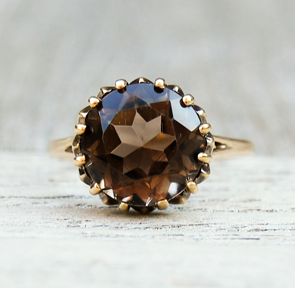 Vintage Cairngorm Quartz/Smoky Topaz Solitaire on Intricate Gold Ring