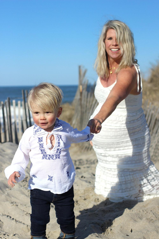 lifestyle mom style maternity fashion style blog travel vintage jewelry summer