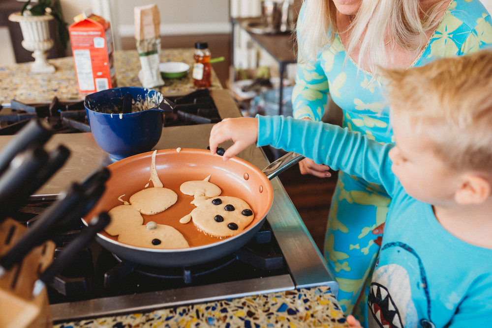family pancakes morning routine mom of two toddlers pj mornings family time quality time23.jpg