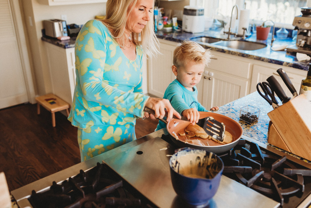 family pancakes morning routine mom of two toddlers pj mornings family time quality time24.jpg