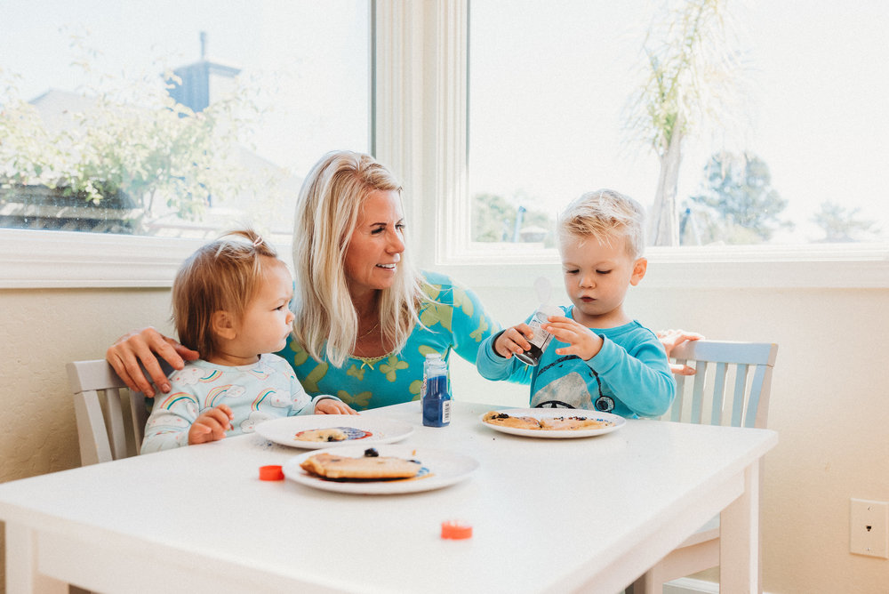 family pancakes morning routine mom of two toddlers pj mornings family time quality time36.jpg