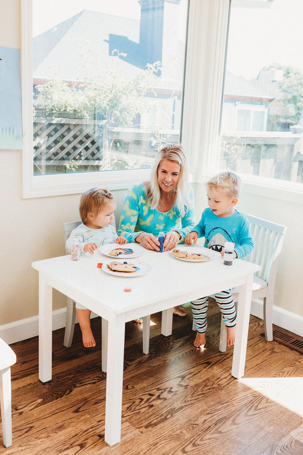 family pancakes morning routine mom of two toddlers pj mornings family time quality time34.jpg