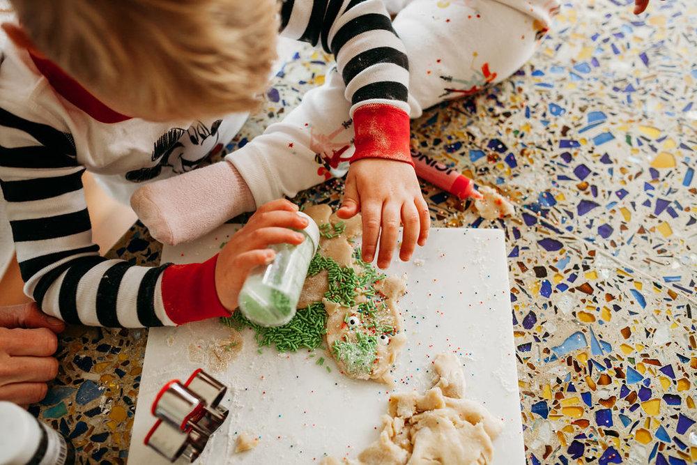 holiday activity christmas festive family time quality time christmas baking holiday shoot family photoshoot