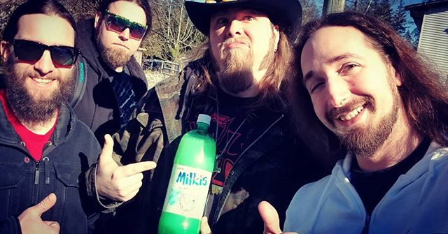 We're headin out to @morbidangelband and @cannibalcorpseofficial in Seattle tonight, fucking stoked. We got our Milkis on deck. Something happened to Rene 🤷‍♂️ #morbidangel #cannibalcorpse #seattle #boycenightout #milkis