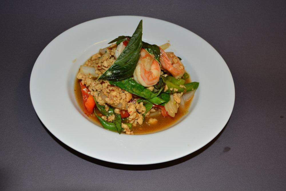 Shrimp&chicken Crispy Basil.JPG