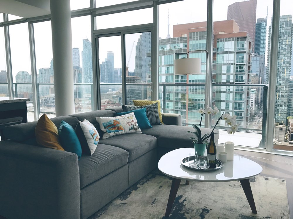 airbnb condo penthouse in the heart of Toronto / Styled by Sofia Sakare