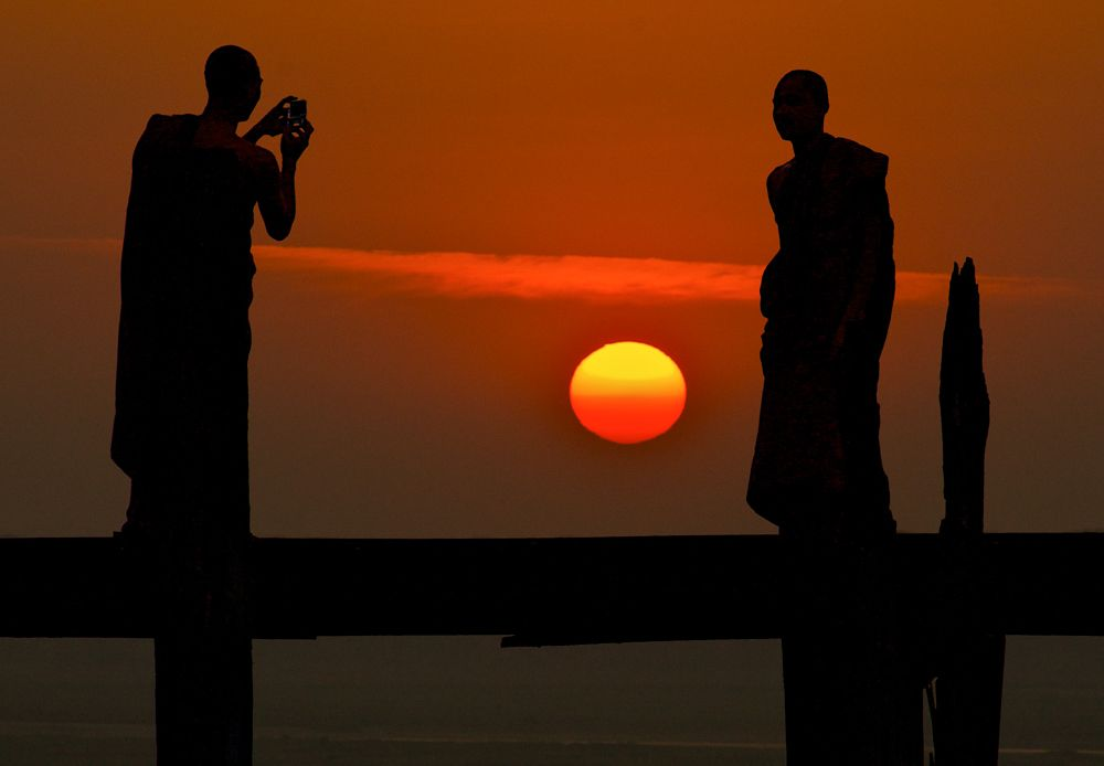 Monks_bridge_sunset-compressor.jpg
