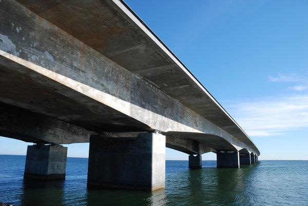 water-under-bridge-5184x3456_33634.jpg