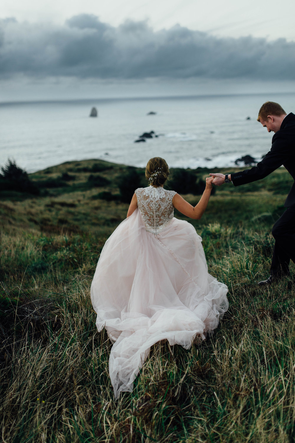 Oregon Coast Wedding | Blush Dress | Oregon Destination Photographer : Jessicaheronimages.com
