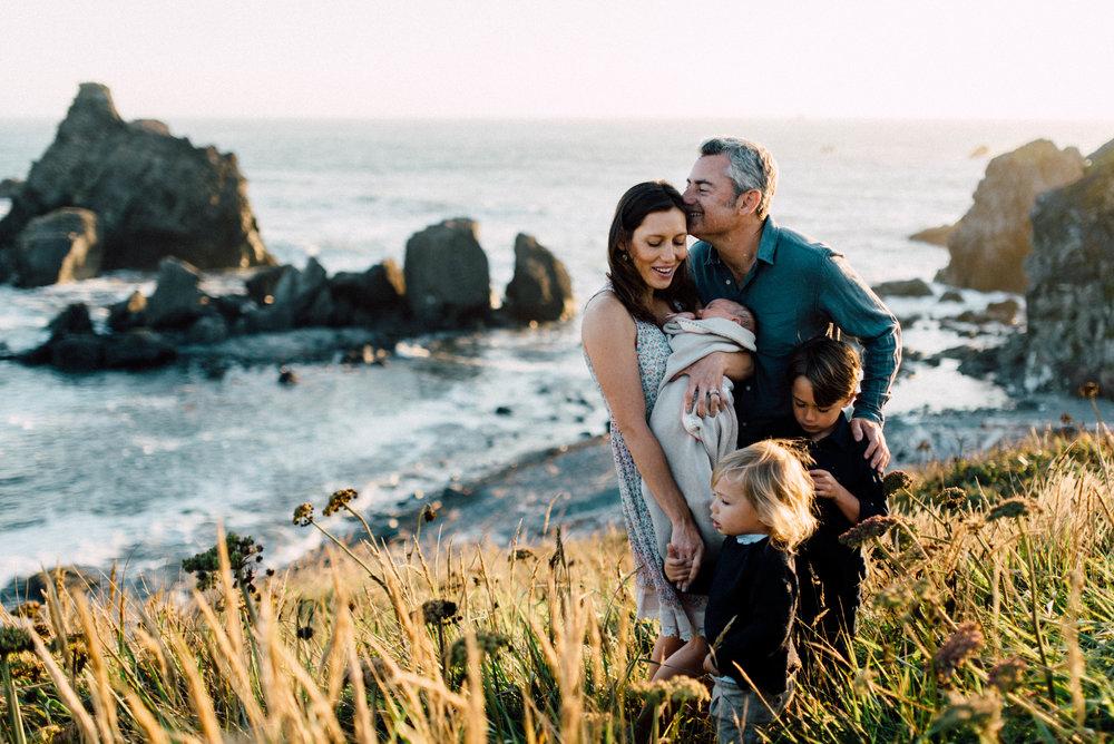 Northern California Coast Lifestyle Family Newborn session | Oregon Destination Photographer : Jessicaheronimages.com