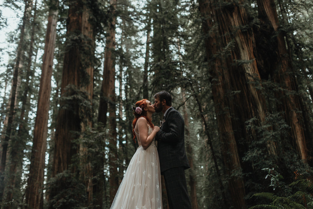 Intimiate Redwoods Elopement , Elopement Inspiration, Jessica Heron Images, Northern California Elopement, Oregon Elopement, Oregon Wedding, Elopement Ideas, Oregon Wedding