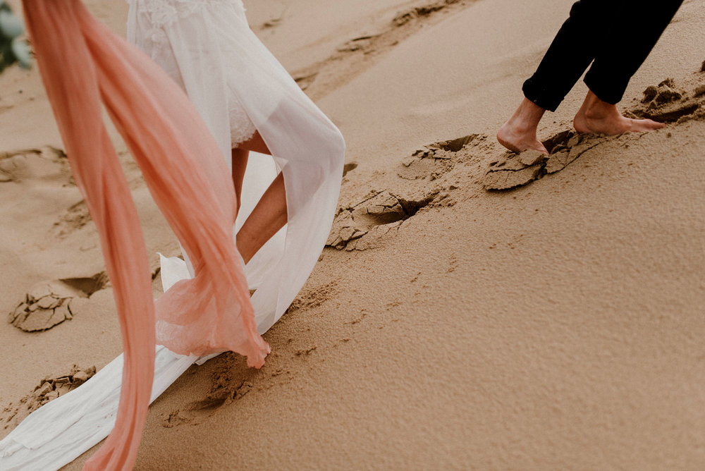 Oregon Sand Dunes Elopement. Bridal Photos. Pacific Northwest Elopement. Oregon Elopement. Oregon Photographer. Northwest Photographer Jessica Heron Imags. Rose Gold Hair. Dunes Bridal Photos.