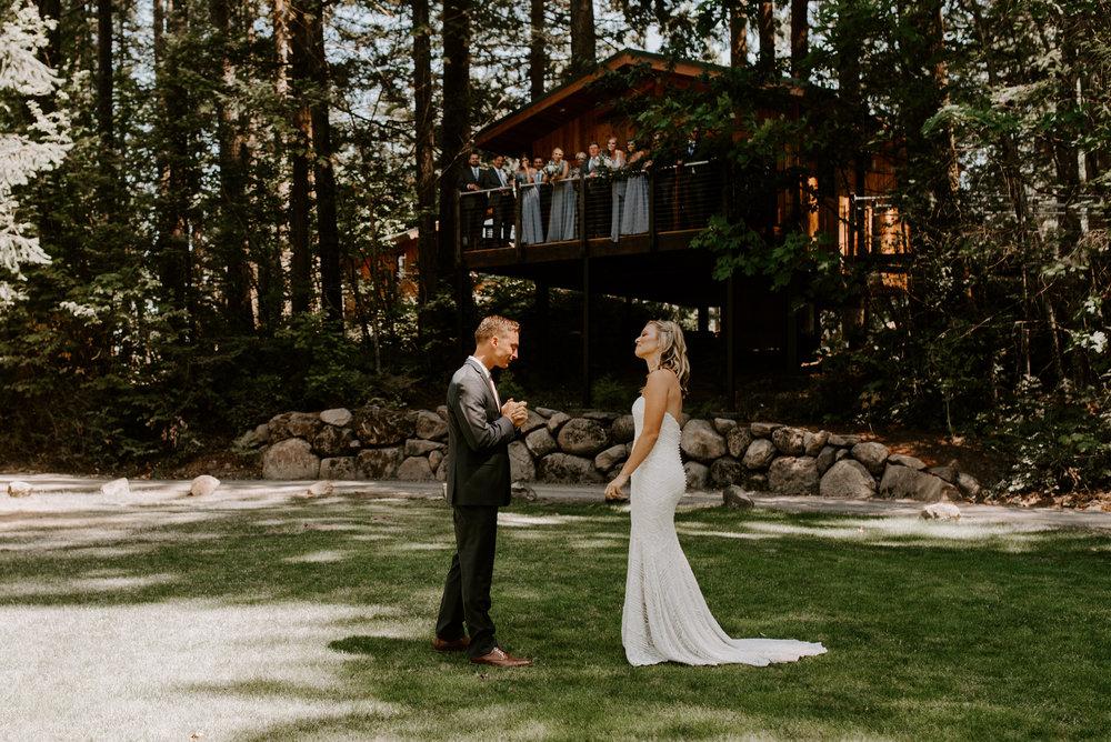 First Look Skamania Lodge Stevenson Washington Wedding
