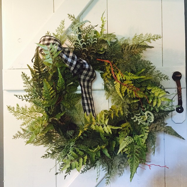I love pops of green anywhere I can manage to fit them in! This little wreath is happy at home on our old farmhouse door! It is bright and sunny here today with the most fabulous breeze! Time to get out there and enjoy it!